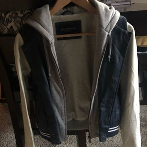Obey Jackets & Coats - Obey bomber jacket XS Brand New Without Tags 💫